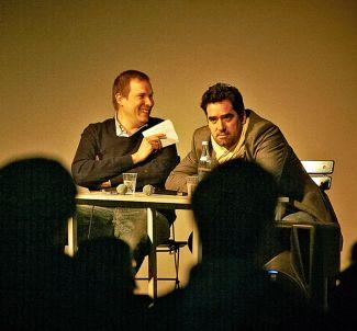 Andreas Wellnitz in conversation with MAGNUM-photographer Thomas Dworzak. (Photo: Birkenholz)